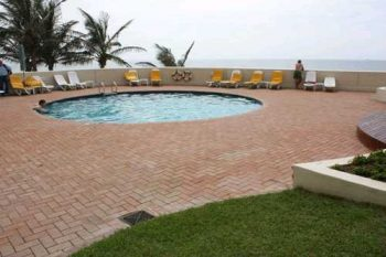 pool area showing pavings around the pool done by sun paving
